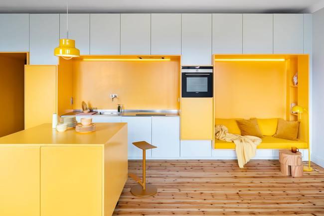 Sáng tạo không gian nội thất ấn tượng từ MFC đơn sắc: vàng và trắng