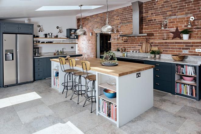 Không gian bếp phong cách công nghiệp