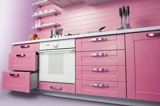 Sáng tạo không gian bếp với gỗ công nghiệp mang sắc hồng ngọt ngào