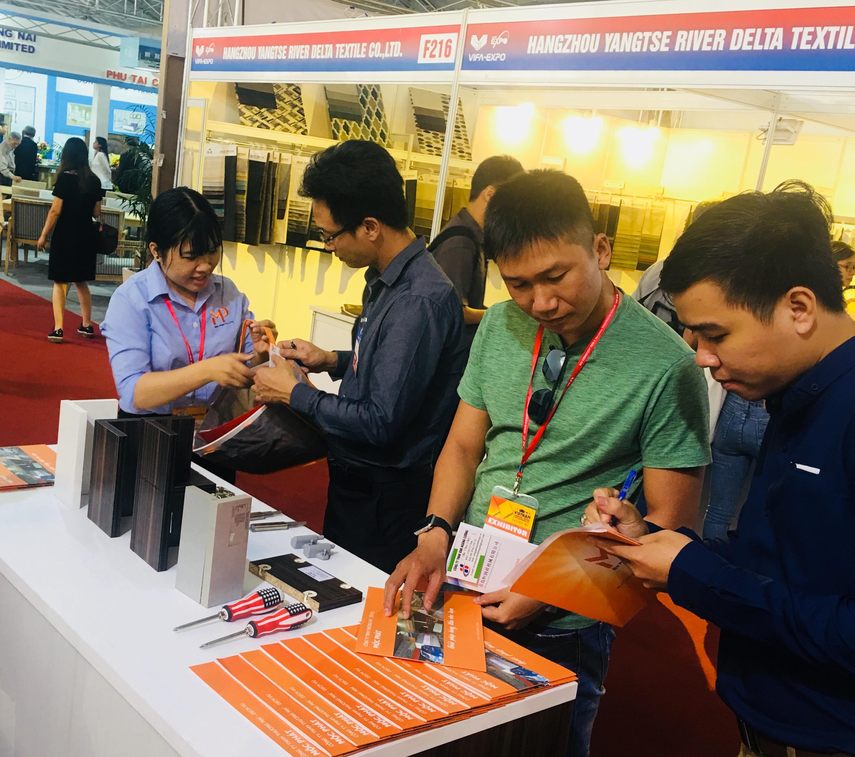 Gian hàng Mộc Phát tại Vifa Expo 2019 thu hút khách tham quan trong và ngoài nước