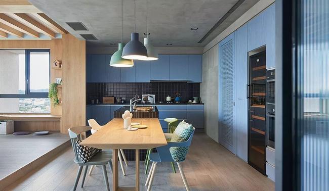 Căn hộ màu xanh có tầm nhìn tuyệt đẹp, cách bố trí nội thất thông minh